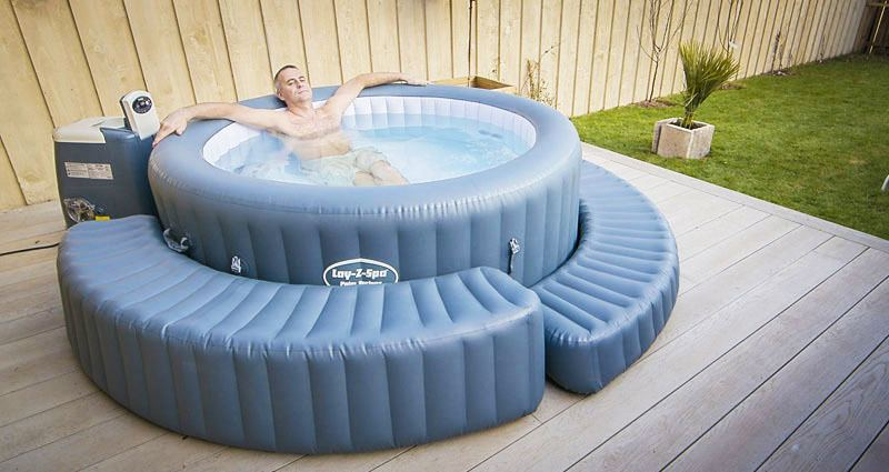 10 Best Inflatable Hot Tub For Winter In 2021 Reviews Buying Guide Tub Hq