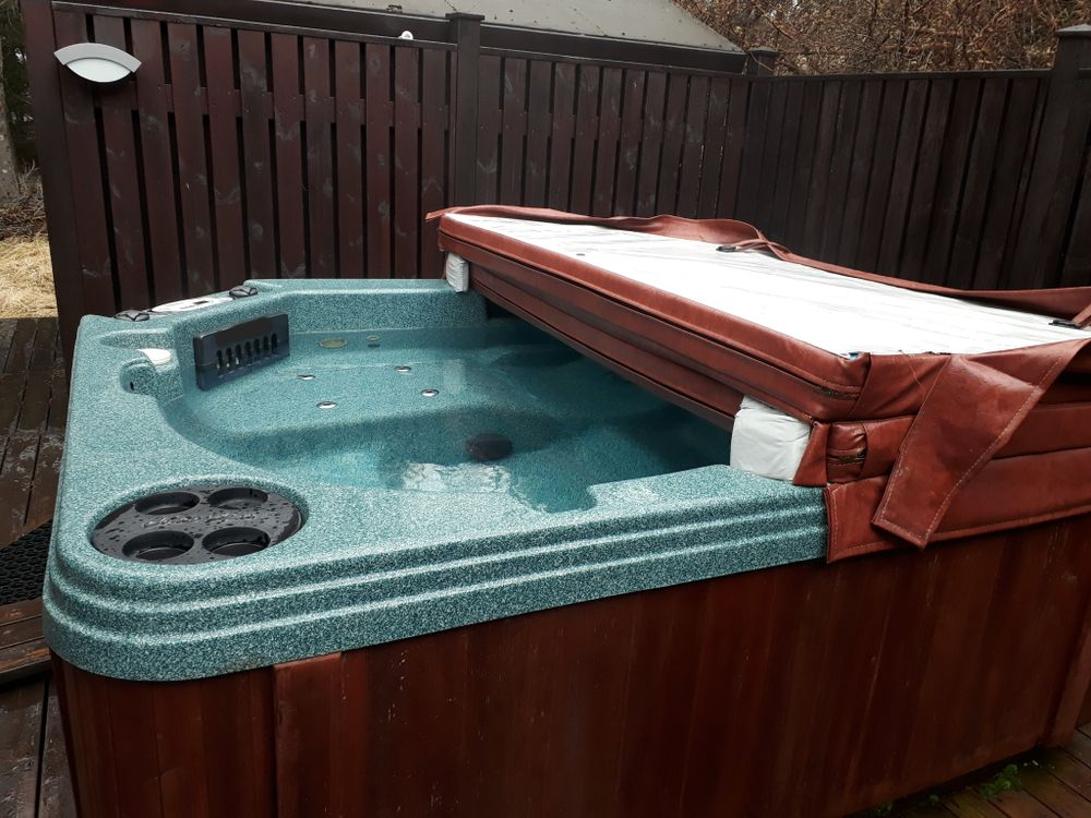 choosing the best hot tub cover