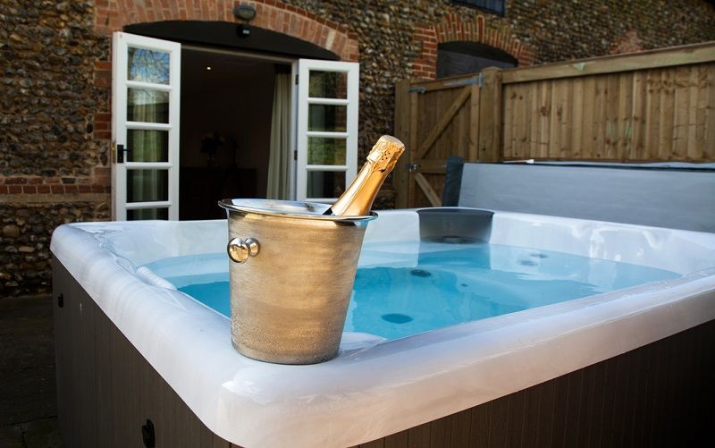 tips for buying hot tub