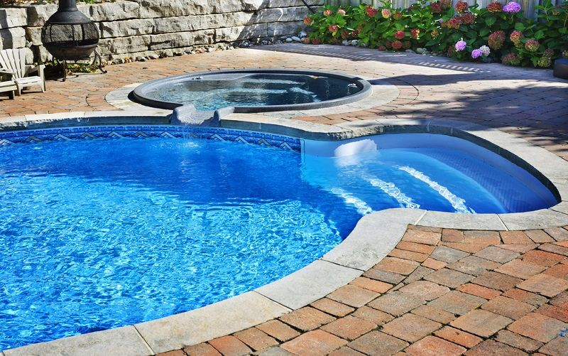 pool with hot tub